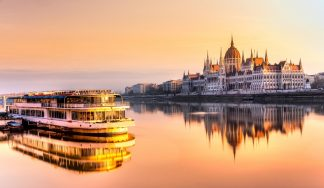 Private boat rental in Budapest for stag do party and hen events