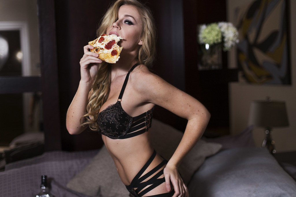 Sexy pizza delivery stripper in Budapest