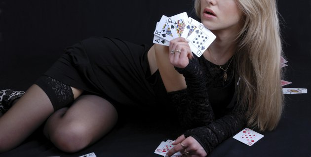 Poker stripper in Budapest stag do activities
